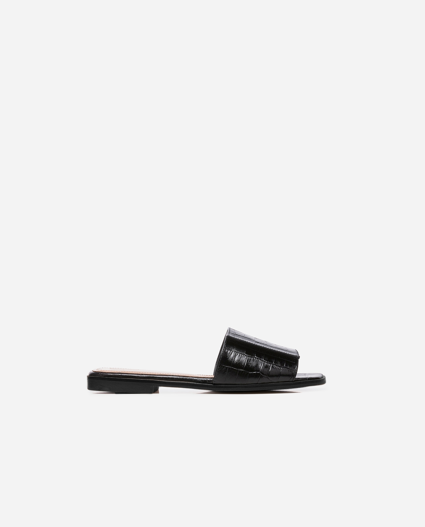 Yola Leather Black